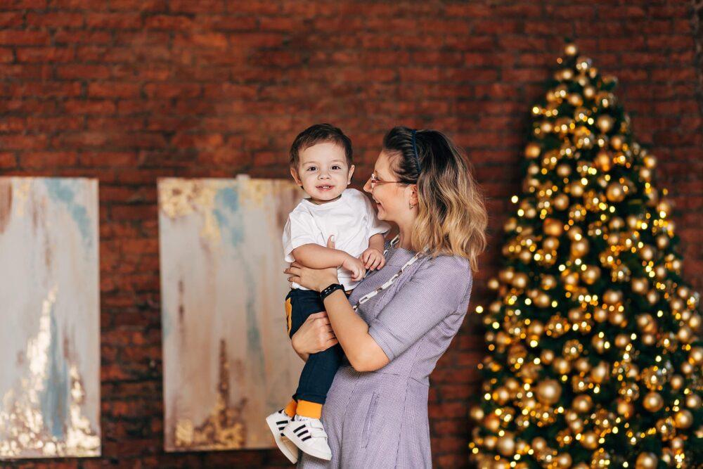 новогодняя фотосессия в студии с малышом
