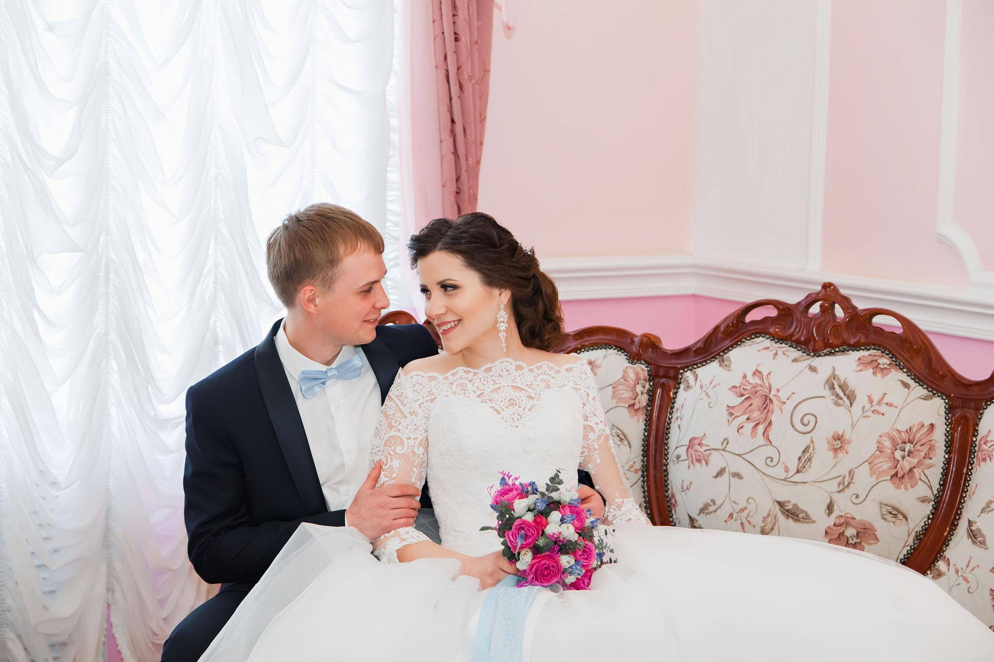жених и невеста в ЗАГСе Тамбова