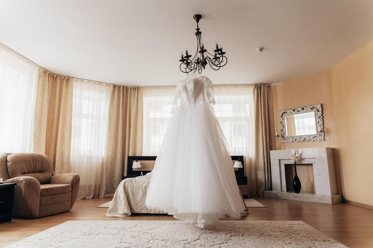 фотосессия сборов невесты в отеле Тамбова