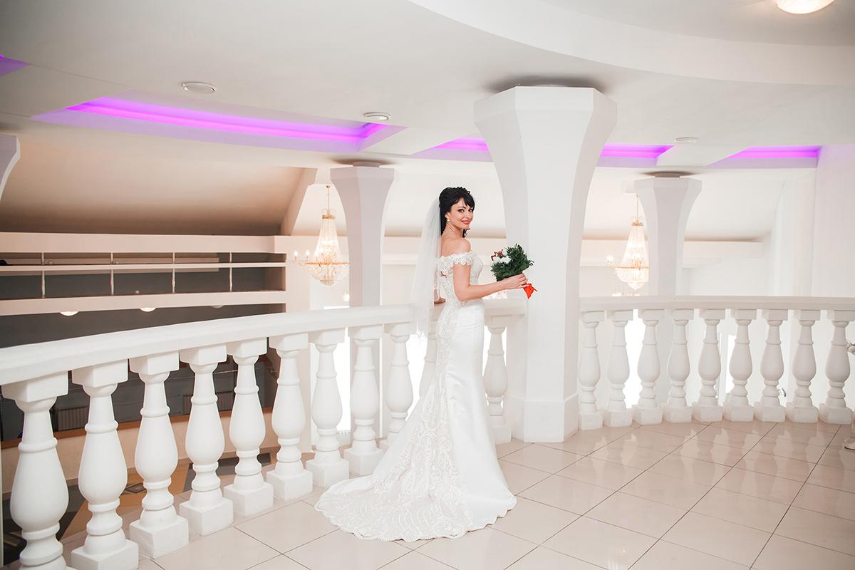 подвенечный наряд очаровательной невесты