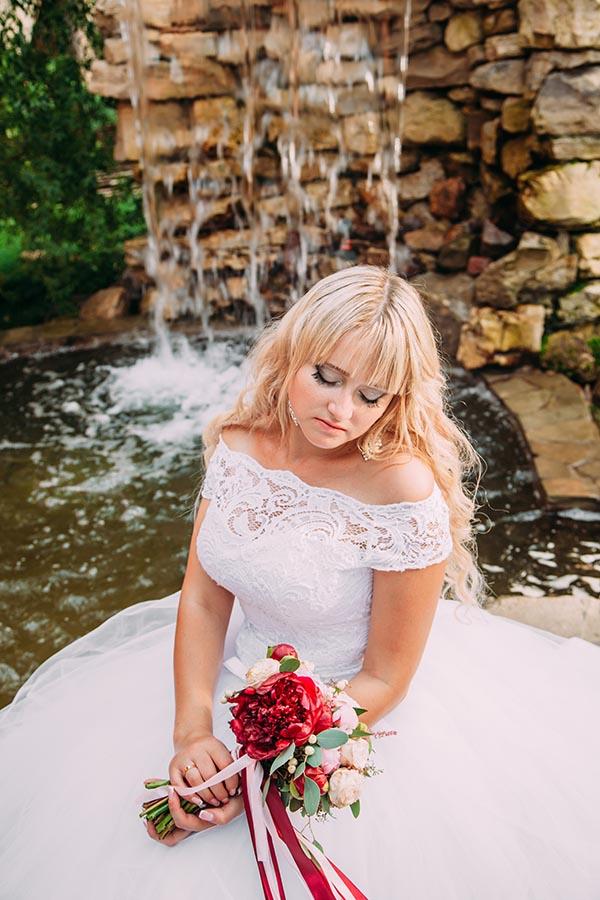 фото невесты у водопада