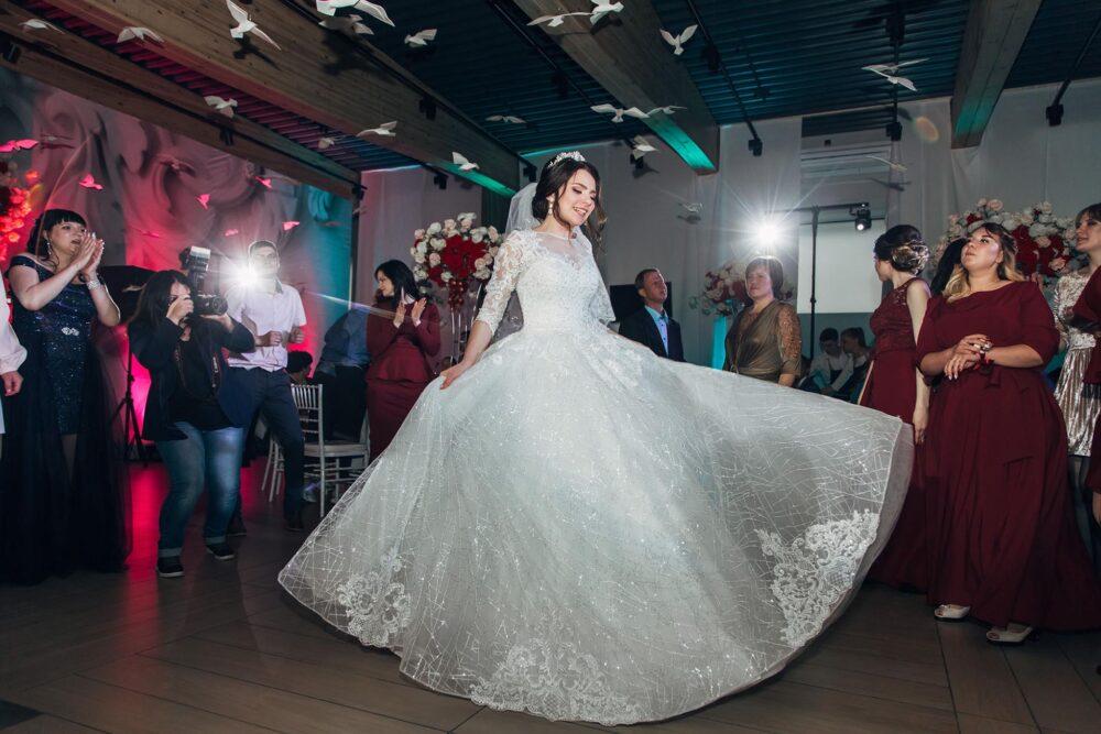 Свадьбы банкеты в ресторане PLES