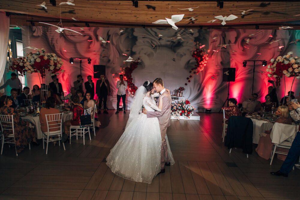 Зал PLES для свадебного банкета