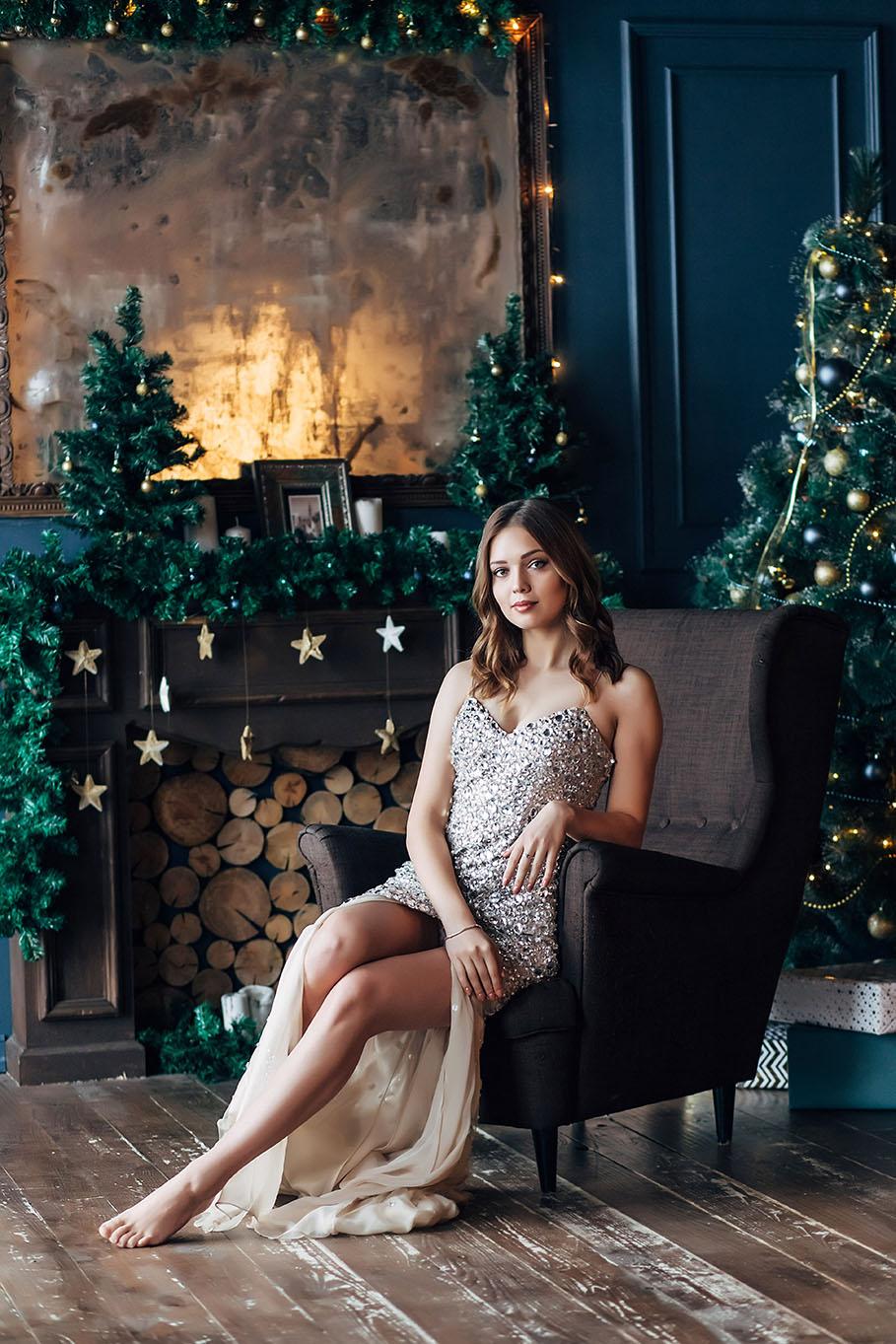 фотосессия девушки в новогодней студии