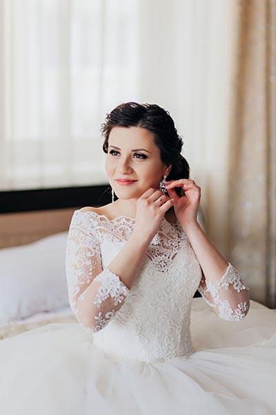 Нежное утро невесты в отеле