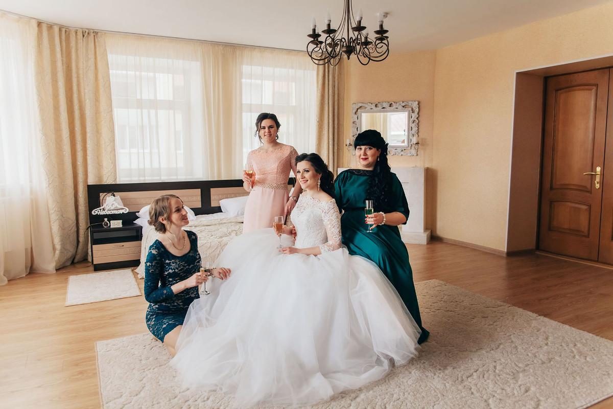 сборы невесты с подружками