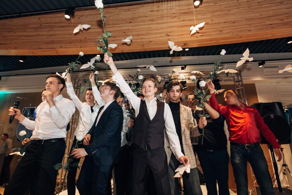 Украшение банкетного зала PLES на свадьбу фото. Тамбов