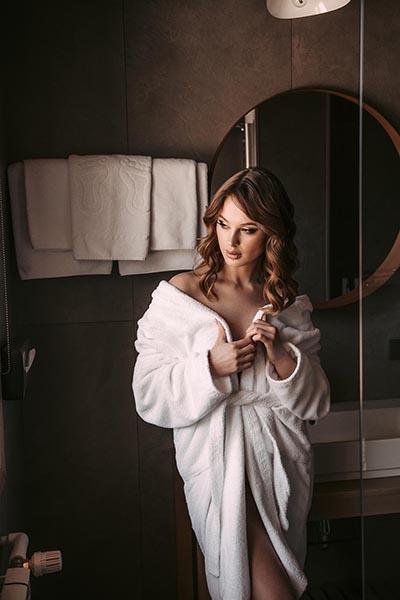 фотосессия девушки в отеле